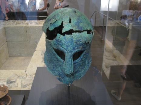 Casco corintio, guerrero fenicio, museo de málaga