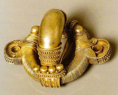 Fíbula anular hispanica oro